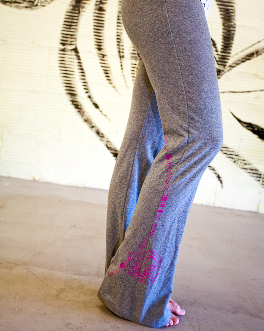 Women's capoeira yoga pants grey berimbau