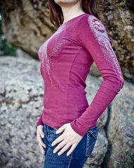 /womens/womens-long-sleeve/womens-long-sleeve-red-wine-arte-shirt/