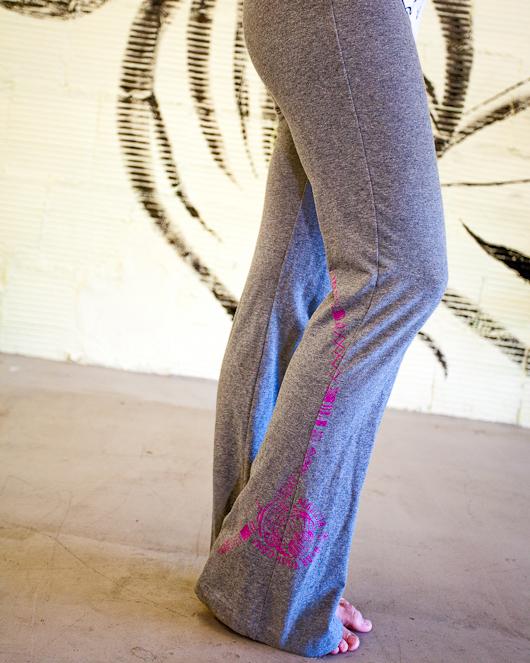 Women's capoeira yoga pants grey berimbau